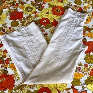Sweet '70s ✨Levi's For Gals✨White Bell Bottoms